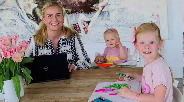 We're Applauding Abbott Working Parents